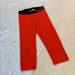 Nike Pro Cropped Leggings, Small